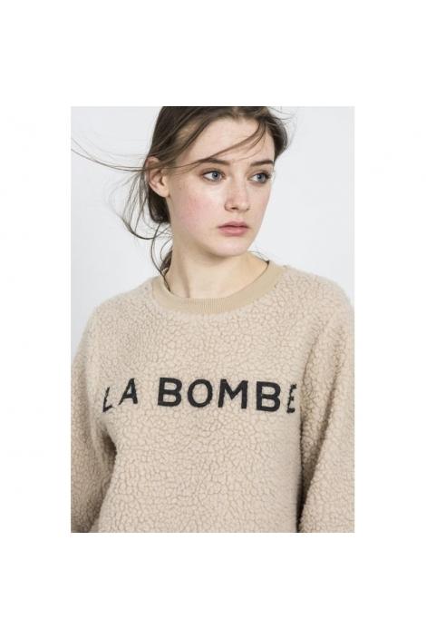 SUETER BORREGUITO LA BOMBE