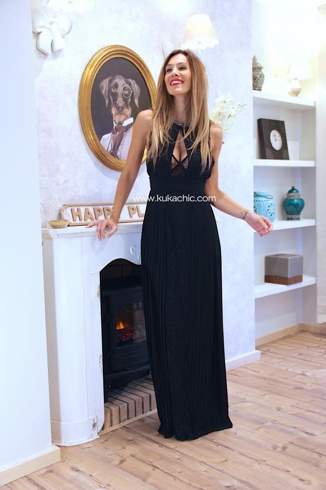 Vestido negro largo cuello