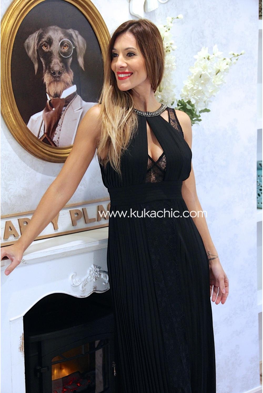 Complementos para vestido negro plisado